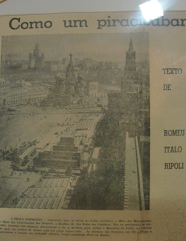 XV de Piracicaba 100 anos Foto de Jornal Praça Vermelha Moscou URSS