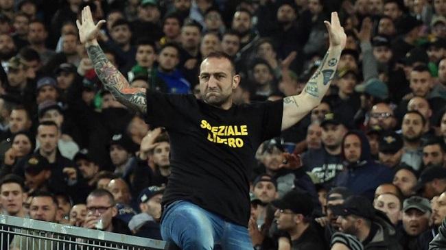 Gennaro de Tommaso, o Carniça: camiseta pedindo liberdade ao torcedor que matou um policial