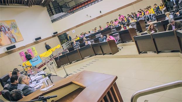 Reunião de discussão sobre mobilidade urbana na Câmara Municipal de Belo Horizonte.