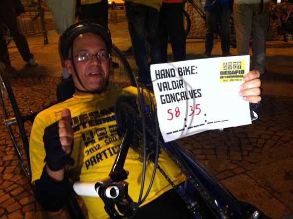 Valdir Cleto participa pela primeira vez em uma handbike