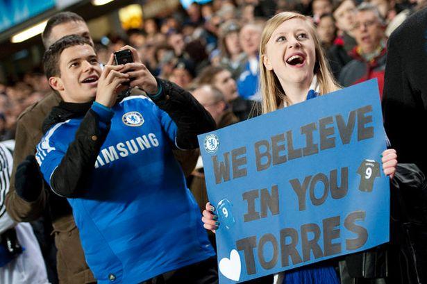 Torcedora do Chelsea aposta em Fernando Torres: e no Pato, vai uma fezinha?