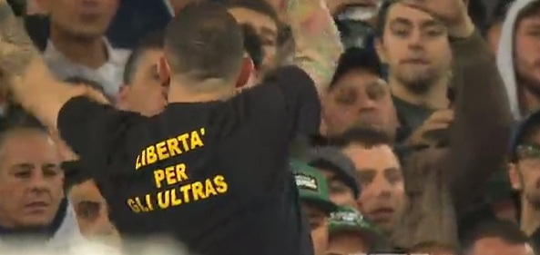 Libertà per gli Ultras, ou Liberdade para os Ultras: na camiseta do líder napolitano