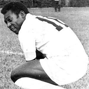 Pelé em ação pelo Santos contra o Botafogo-SP