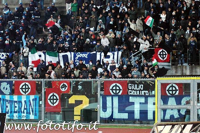 Suásticas e cruzes celtas na torcida da Lazio: fascismo no estádio