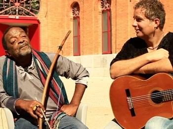 Os músicos Nana Vasconcelos e Lui Coimbra