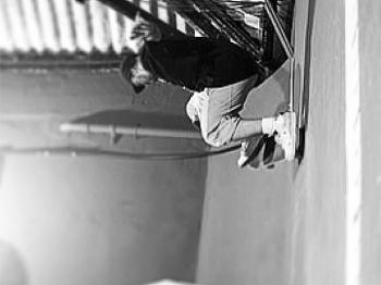 Bob Burnquist postou a foto do amigo andando de skate