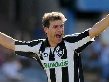 Túlio Maravilha foi o último grande ídolo recente do Botafogo e levantou o Brasileirão de 1995