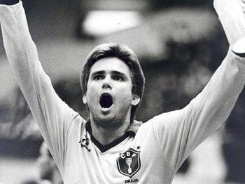 Brasil quase caiu na 1ª fase em 1989, mas venceu a Espanha e seguiu vivo