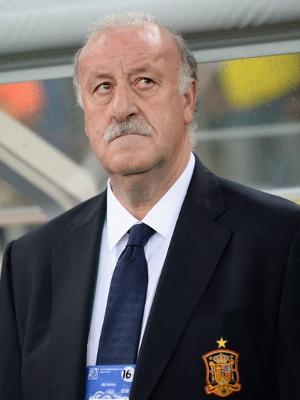 Del Bosque, técnico da Espanha, não gosta nem um pouco do desempenho de sua seleção contra o Brasil