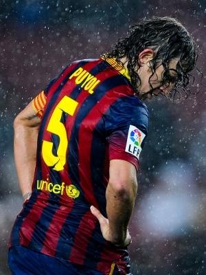 Puyol deixará o Barcelona, que deve contratar ao menos dois zagueiros