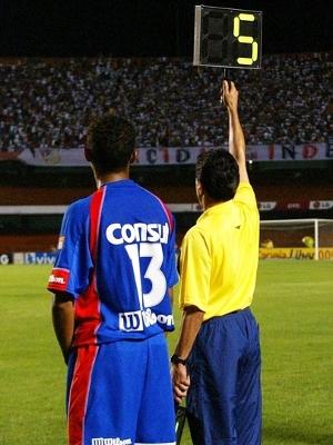 Serginho Substituição Jonas São Caetano São Paulo Campeonato Brasileiro 03/11/2004
