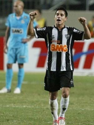 Danilinho comemora gol do Atlético-MG, o nº 40 mil da história do Brasileiro