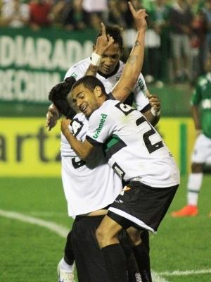 Marquinhos Comemora Gol Figueirense Chapecoense Campeonato Brasileiro 10/08/2014