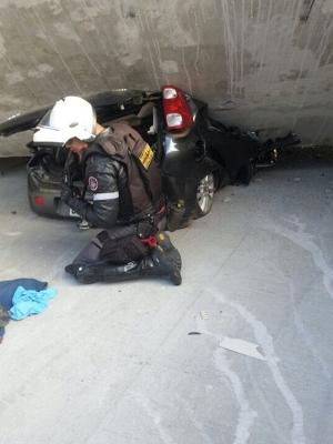 Veículo ficou soterrado após tragédia