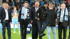 Adriano no pontapé inicial de partida do Le Havre