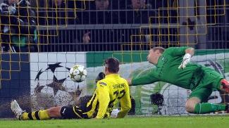 Schieber marca o único gol da vitória do Dortmund sobre o City