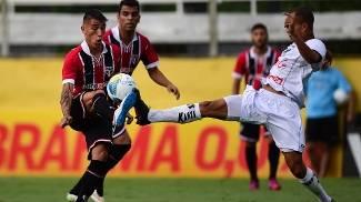 Argentino Centurión estreou pelo São Paulo em Bragança Paulista