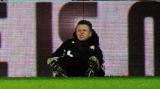 Gandula agredido por Hazard tem perfil 'fake' no Twitter