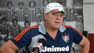 O técnico tricolor Abel Braga detonou os problemas que existem na disputa da Copa Libertadores