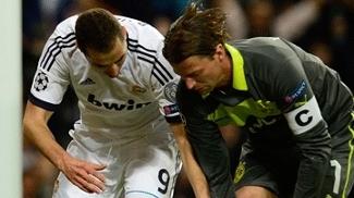Benzema fez o primeiro gol do Real Madrid na partida, que deu ânimo aos espanhóis