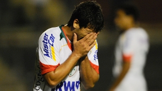 Héverton lamenta erro em jogo da Portuguesa; clube é acusado de escalação irregular do atacante no Brasileiro e pode ser rebaixado