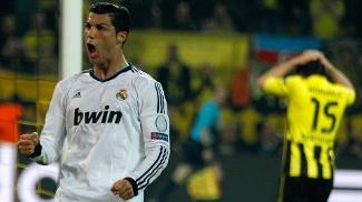 Hummels (fundo) errou feio, e Cristiano Ronaldo marcou para o Real