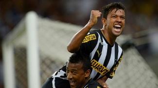 Wallyson fez três gols no Maracanã