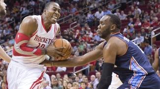Dwight Howard pegou 26 rebotes na sua estreia pelos Rockets na NBA