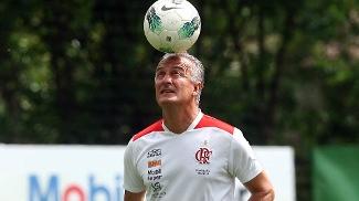 Flamengo descarta marcação individual em Seedorf