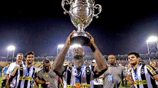 Seedorf conquistou o Carioca deste ano pelo Botafogo