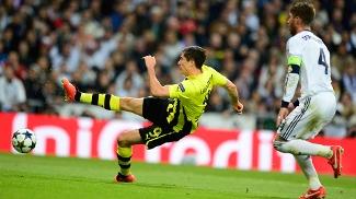Herói do primeiro jogo, Lewandowski tentou abrir o placar, mas Diego López fez firme defesa