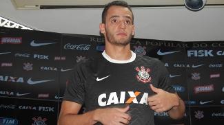 Fla aciona jurídico em busca de percentual por transferência de Renato Augusto