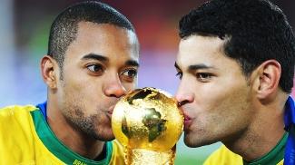 Robinho Andre Santos Beijam Trofeu Copa das Confederações 2009 28/06/2009