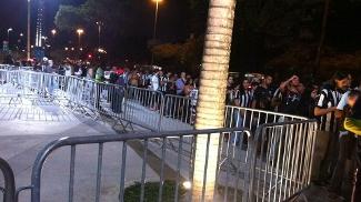 Retirada de ingressos teve problemas no Maracanã