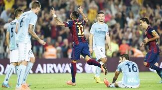 Neymar fez o segundo gol após passe de Daniel Alves