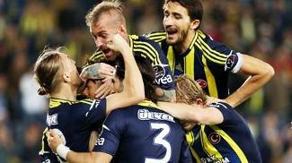 Fenerbahce Comemora Gol