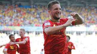 Em contra-ataque mortal, Mertens virou o jogo para a Bélgica