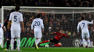 Cristiano Ronaldo abre o placar no clássico contra o Barcelona