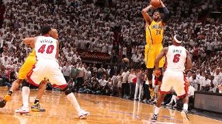 Paul George fez improvável cesta nos segundos finais e levou Heat x Pacers ao tempo extra