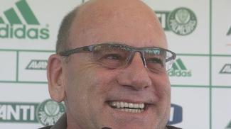 Brunoro durante coletiva no Palmeiras