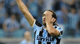 O argentino Barcos é reforço do Grêmio para 2013