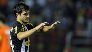 O uruguaio Lodeiro volta ao Botafogo nesta quarta