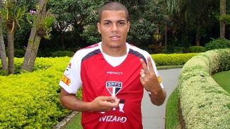 Thiago Carleto estendeu o contrato dele com o São Paulo