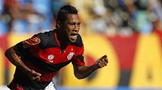 Hernane comemora contra o Quissamã o primeiro gol do Flamengo em 2013