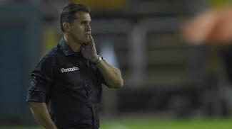 Vágner Mancini reconhece que Botafogo não jogou bem na vitória sobre o Coritiba, mas não mostra medo com o Flamengo