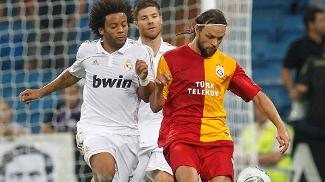 Ujfalusi e Marcelo; Galatasaray encontrou o Real Madrid em 2011, em torneio amistoso