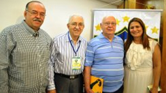 Da esquerda para a direita, Renan Menezes, Aécio da Borba e na ponta direita, Louise Bedê, dirigentes da CBFS