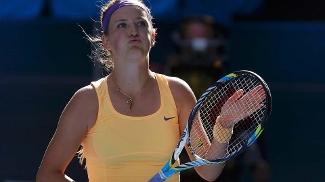 Azarenka celebra após derrotar a surpresa Stephens na semifinal