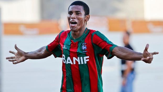 Derley se destacou pelo Marítimo na última temporada