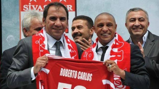 Roberto Carlos na apresentação ... ae8cb431cd428